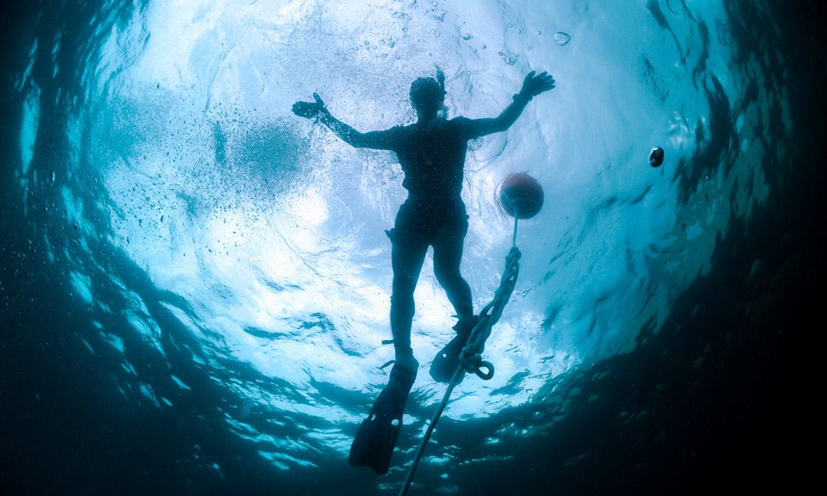 Snell's window diving underwater